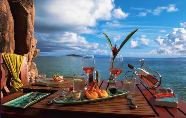 красивый обед на отдыхе