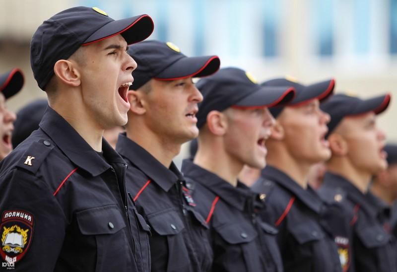 Смотреть Зарплата полиции в 2019 году: возможное повышение, последние новости видео